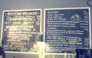 Café Neue Liebe in Berlin - counter board