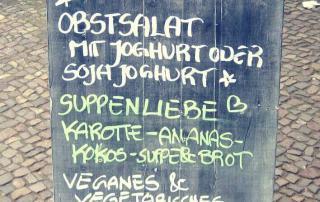 Café Neue Liebe Berlin - Board