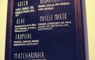 Café Neundrei - smoothie menu