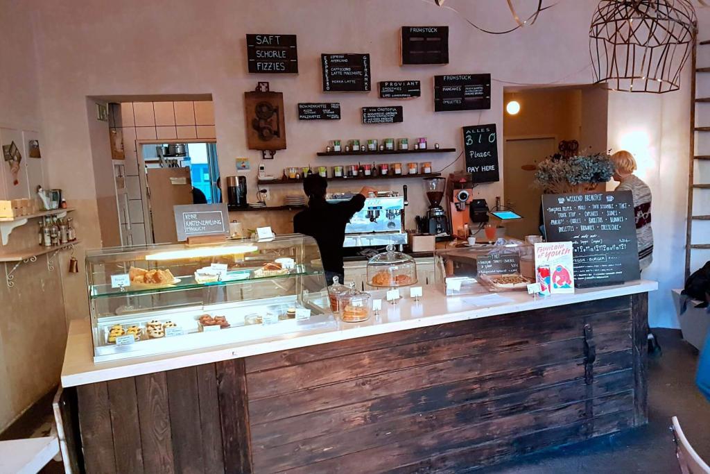 Cafe Largo Organic Cafe In Berlin Wedding Serving Vegan Breakfast